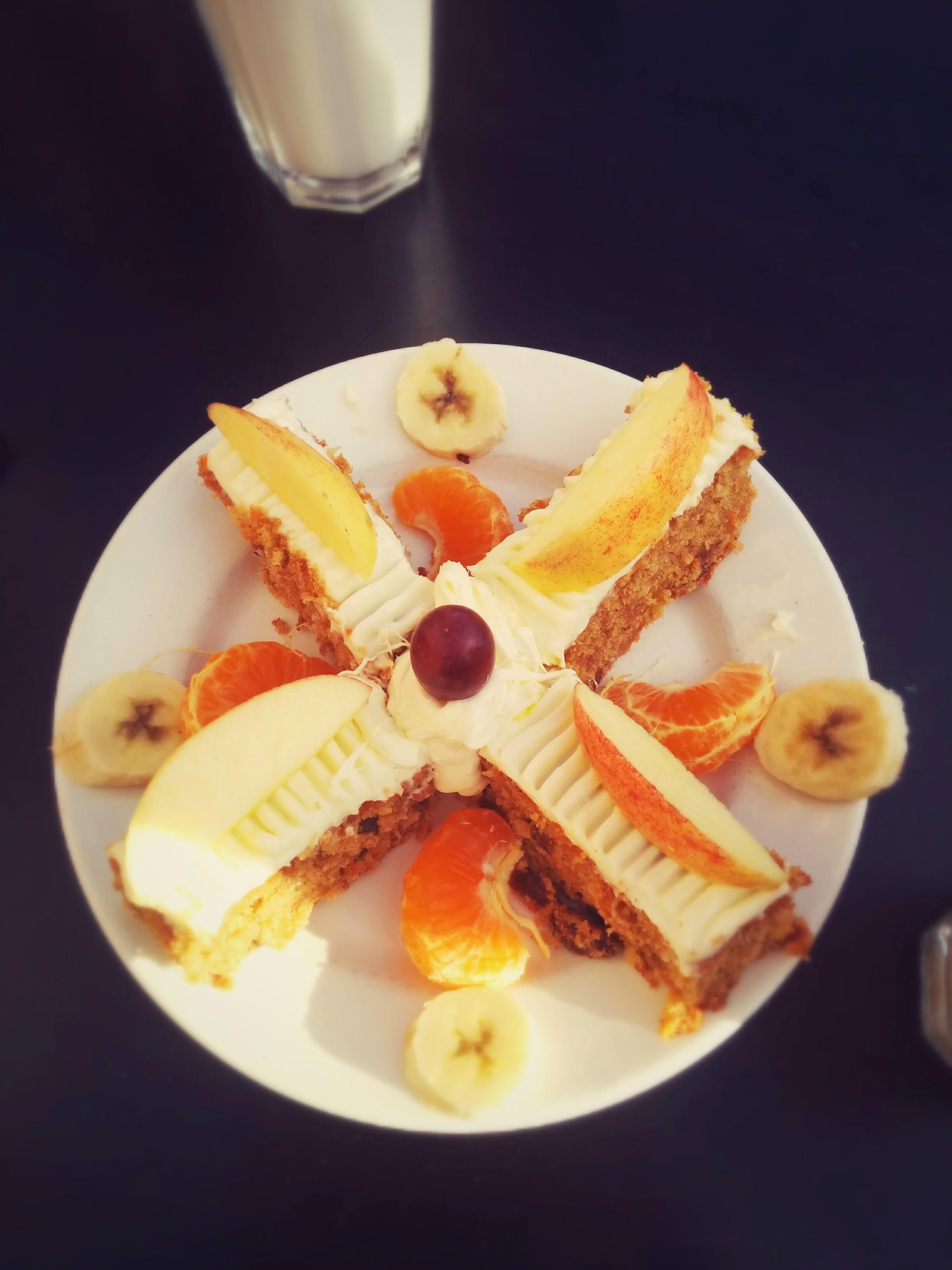 Giving-life-colour-carrot-cake-close