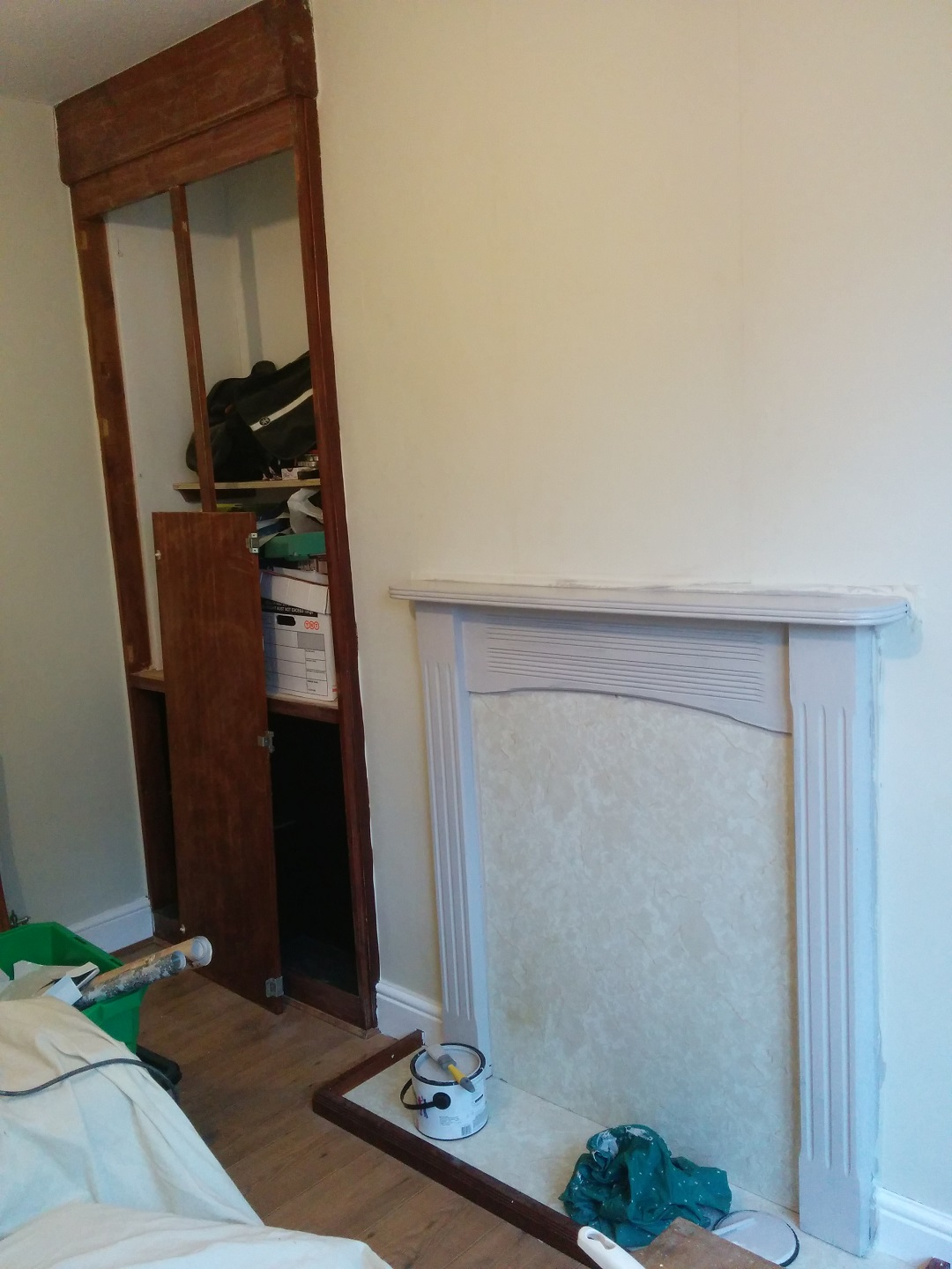 DIY-Blocked-Fireplace-half-painted