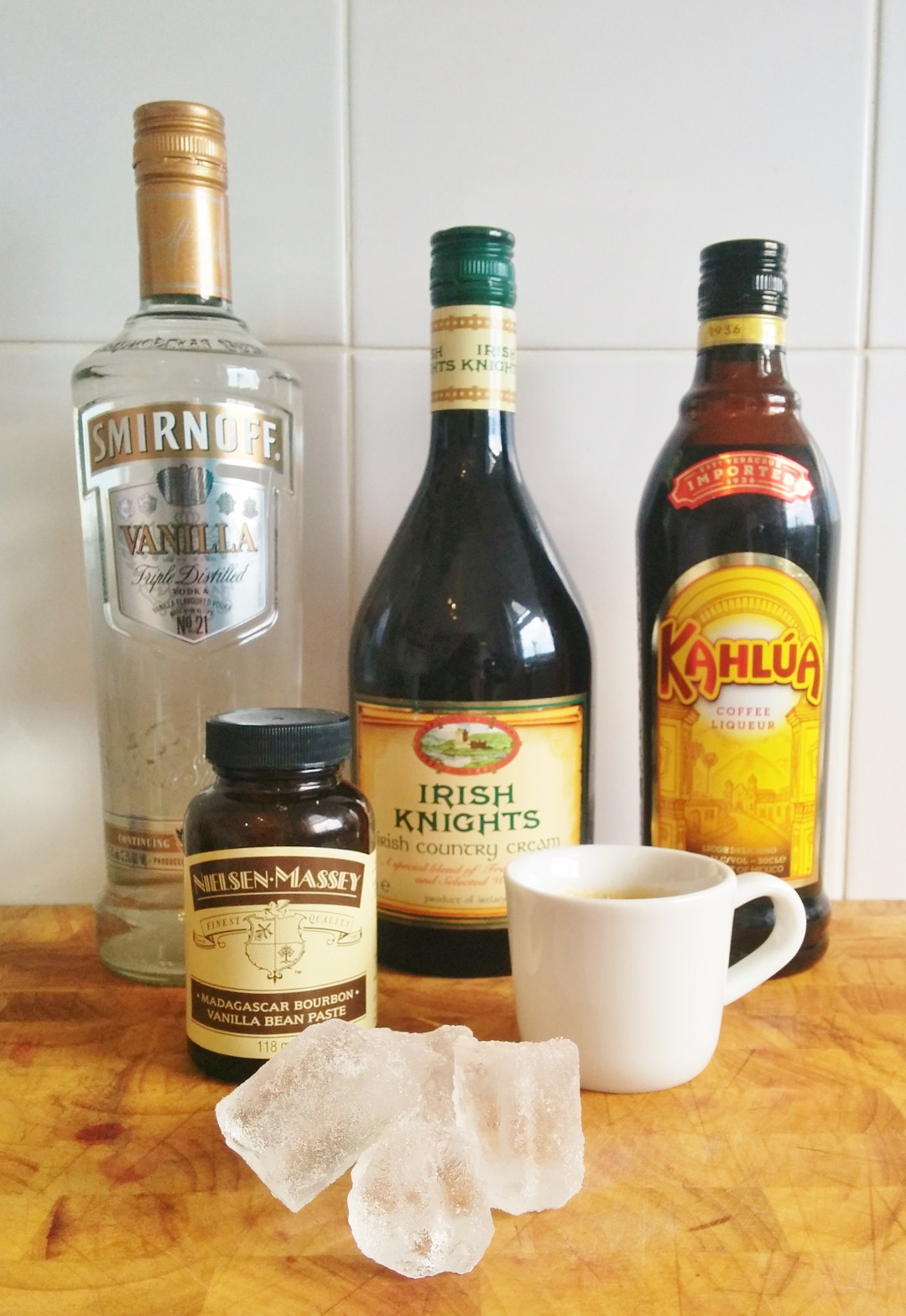 how-to-make-the-perfect-cocktail-espresso-martini-ingredients