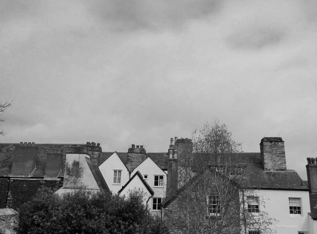 elizabethan-gardens-plymouth-bw-houses