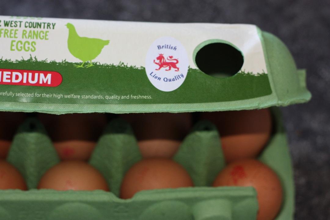 recipe-battenberg-cake-british-lion-eggs-egg-box