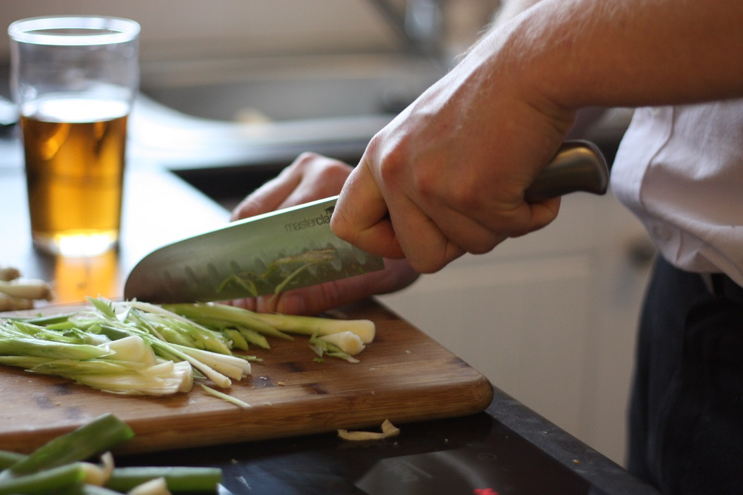 recipe-homemade-chicken-spring-rolls-with-garlic-chilli-courgetti-spring-onions