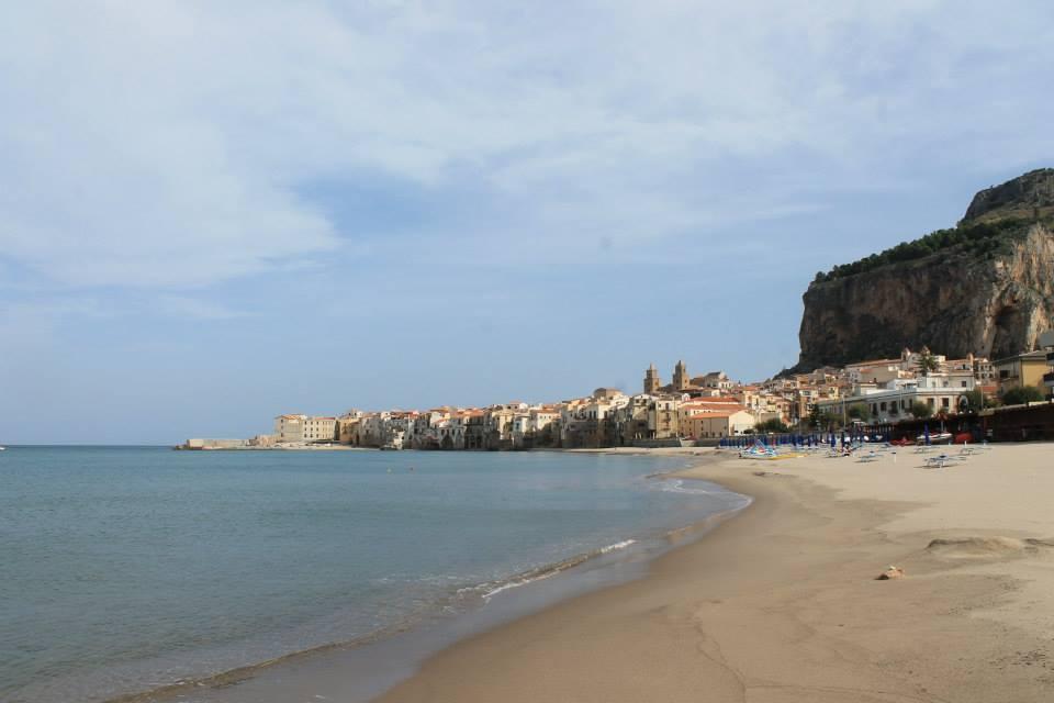travel-tuesday-sicily-with-sally-cefalu-beach