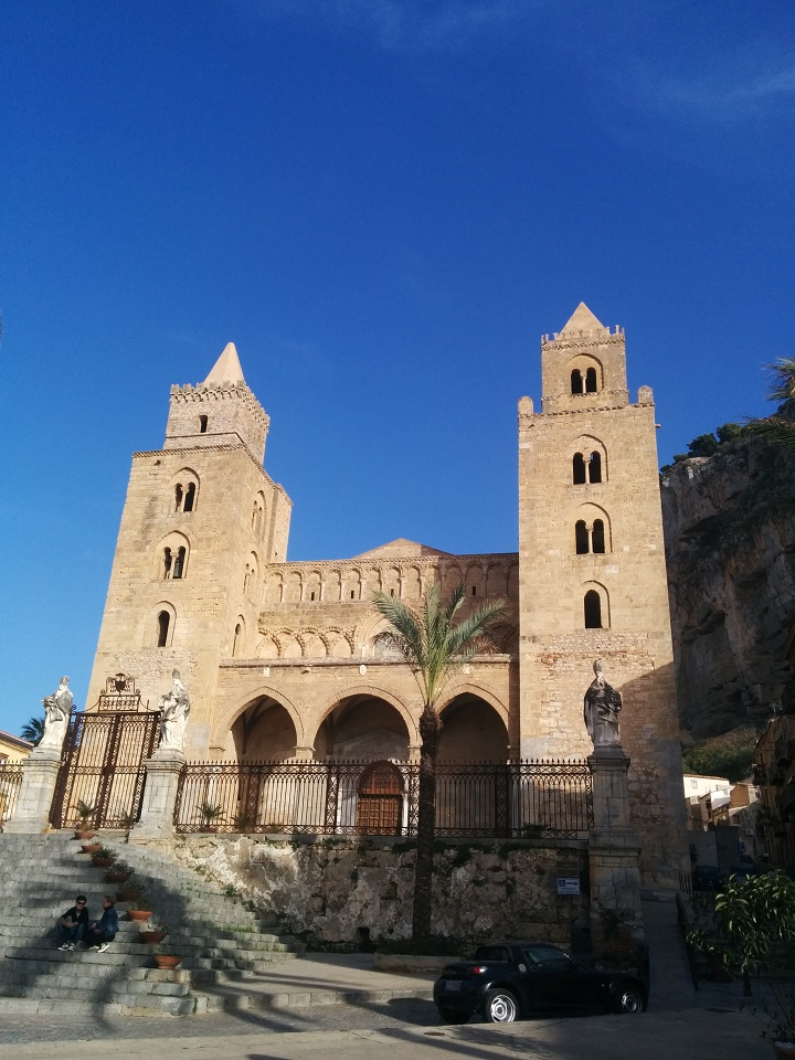 travel-tuesday-sicily-with-sally-cefalu-cathedral