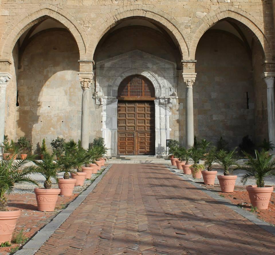 travel-tuesday-sicily-with-sally-church-cefalu