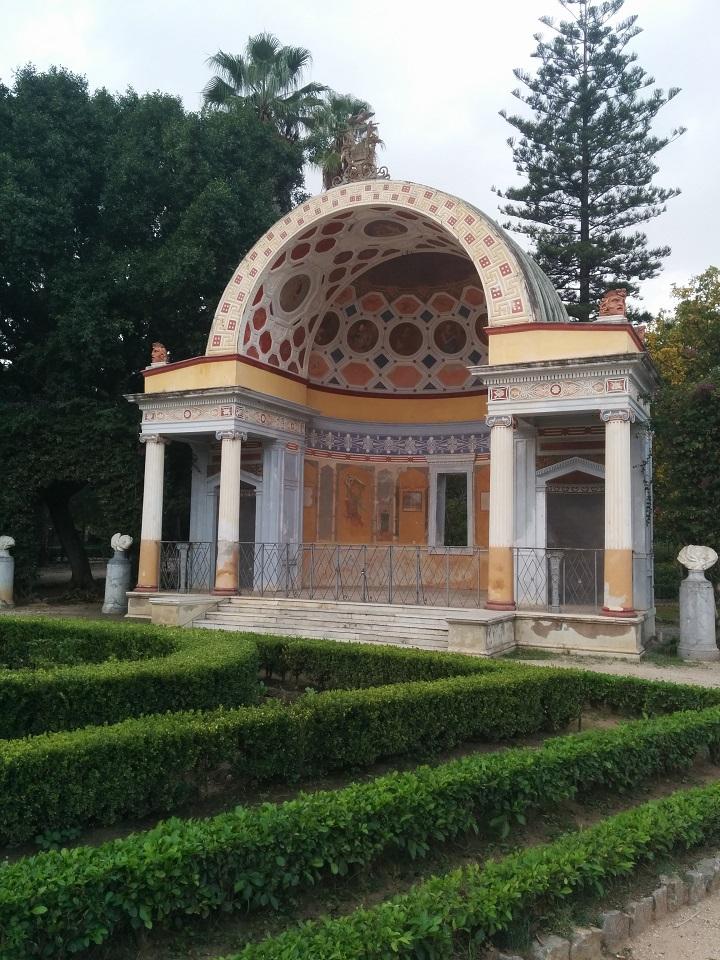 travel-tuesday-sicily-with-sally-garden-shrine