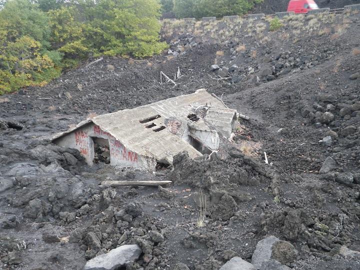 travel-tuesday-sicily-with-sally-lava-magma-house-etna