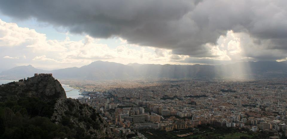 travel-tuesday-sicily-with-sally-palermo-skyline