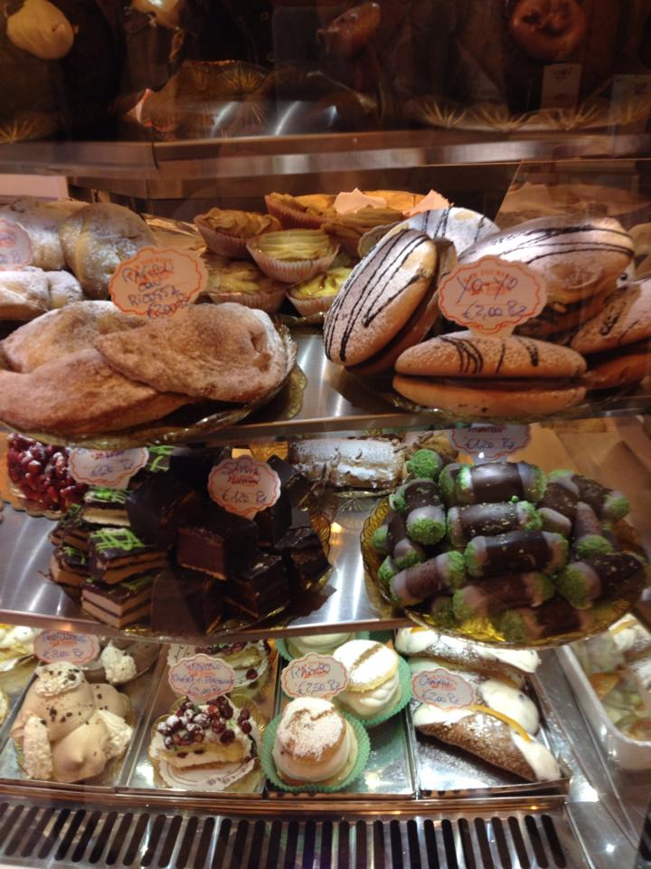travel-tuesday-sicily-with-sally-pastries
