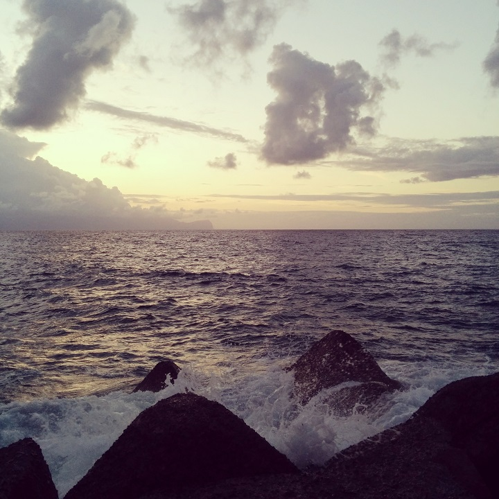travel-tuesday-sicily-with-sally-sea-sunset-airport