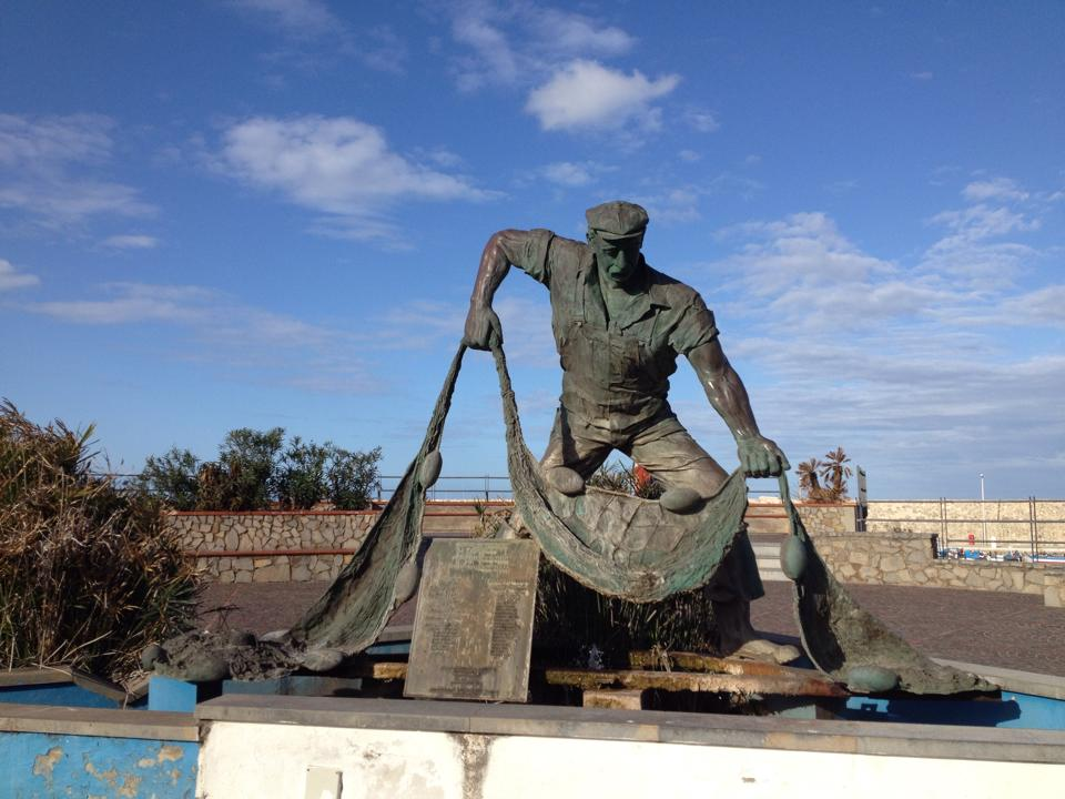 travel-tuesday-sicily-with-sally-statue-fishing-man