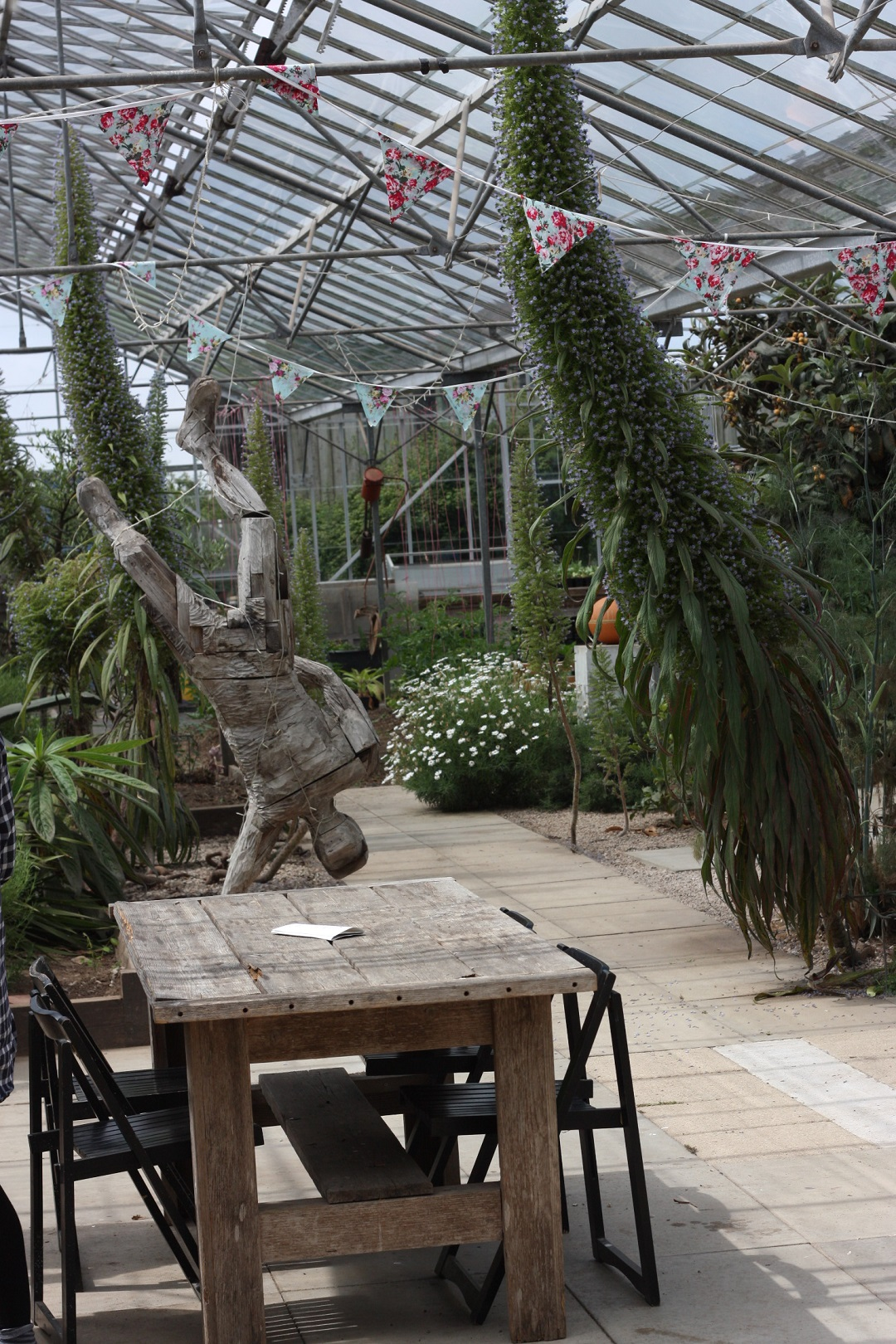restaurant-review-potager-glasshouse-garden-sculpture