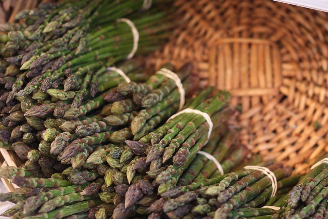 riverford-farm-shop-asparagus